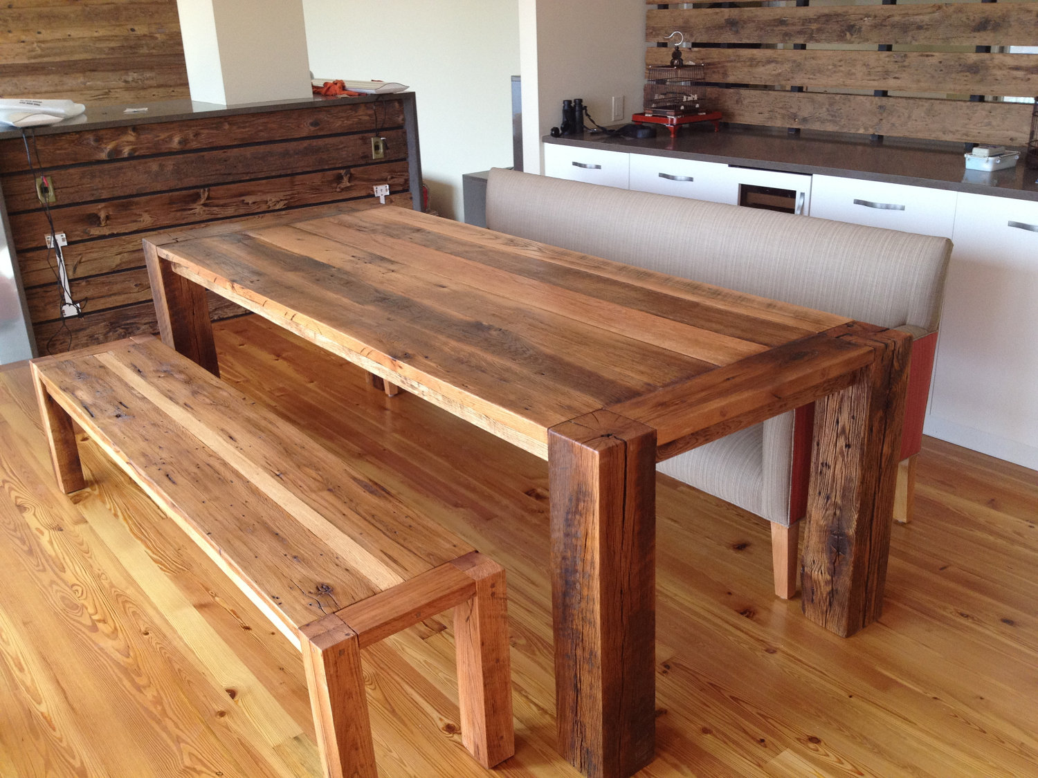 Image of: Distressed Wood Dining Room Table Design