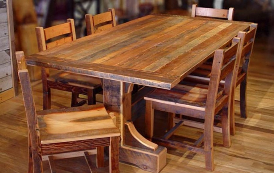 Image of: Distressed Wood Dining Room Table and Chairs