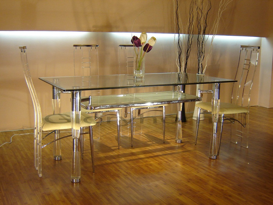 Image of: Elegant Lucite Dining Table