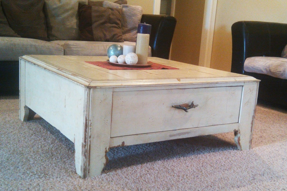 Image of: Excellent Distressed White Coffee Table