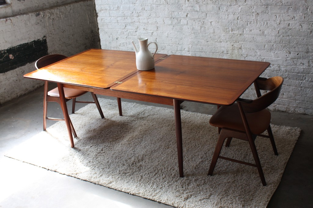 Image of: Expandable Dining Table Bench Ideas