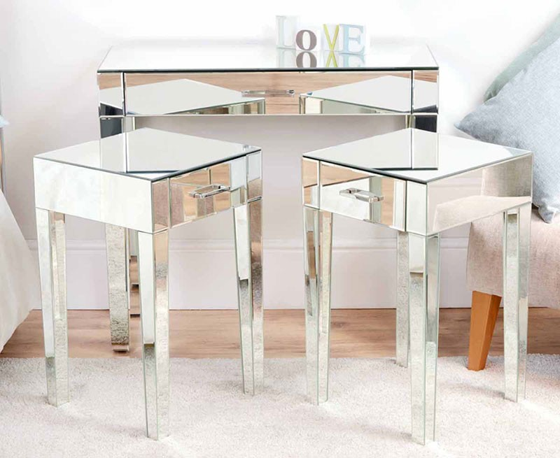 Image of: Glass Bedside Table Type
