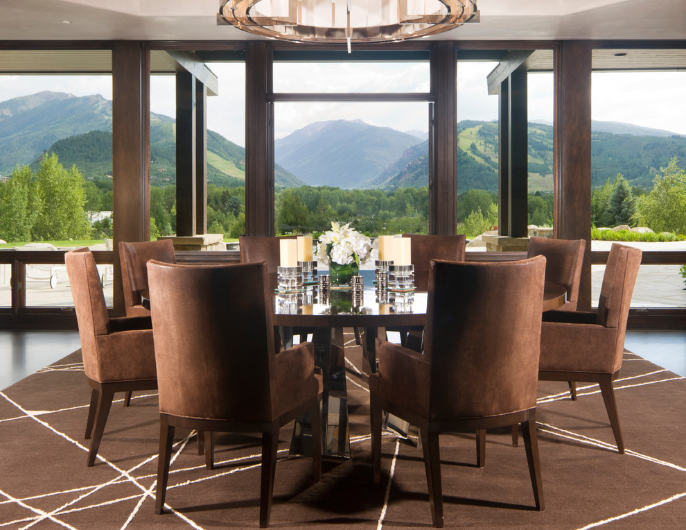 Image of: Glorious Round Dining Table with Leaf