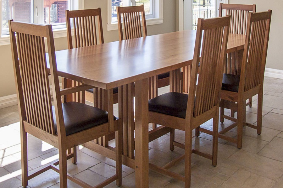 Image of: Good Mission Style Dining Table