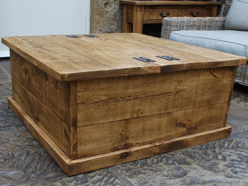 Image of: Good Wood Trunk Coffee Table