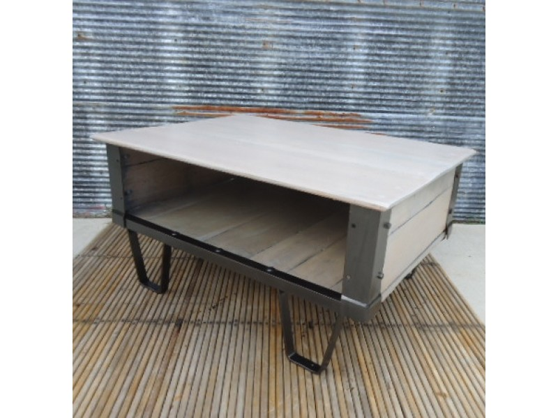 Image of: Iron And Wood Coffee Table White
