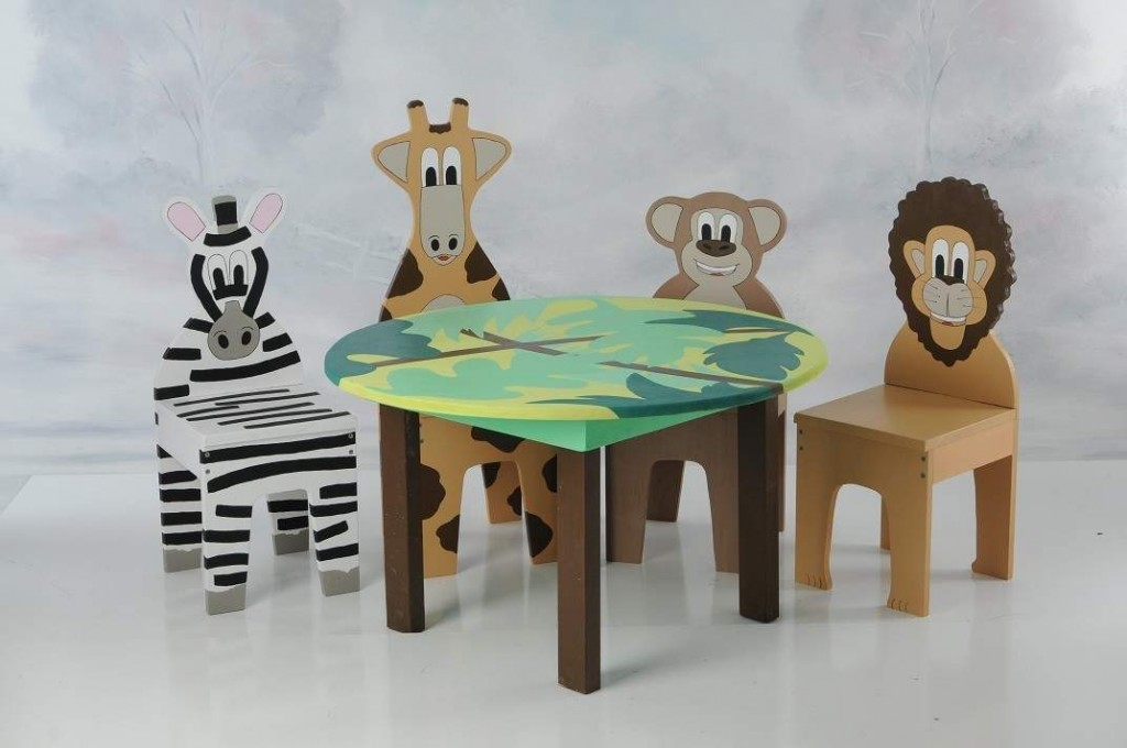 Image of: Kids Folding Table And Chairs Animals