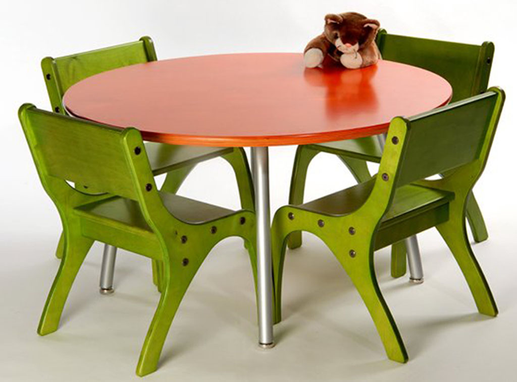 Image of: Kids Folding Table And Chairs Green
