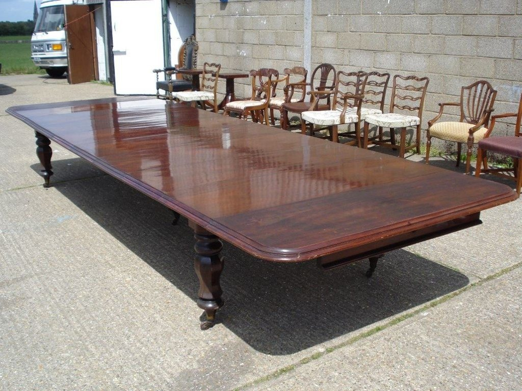 Image of: Large Dining Room Table Seats 12 Mahogany