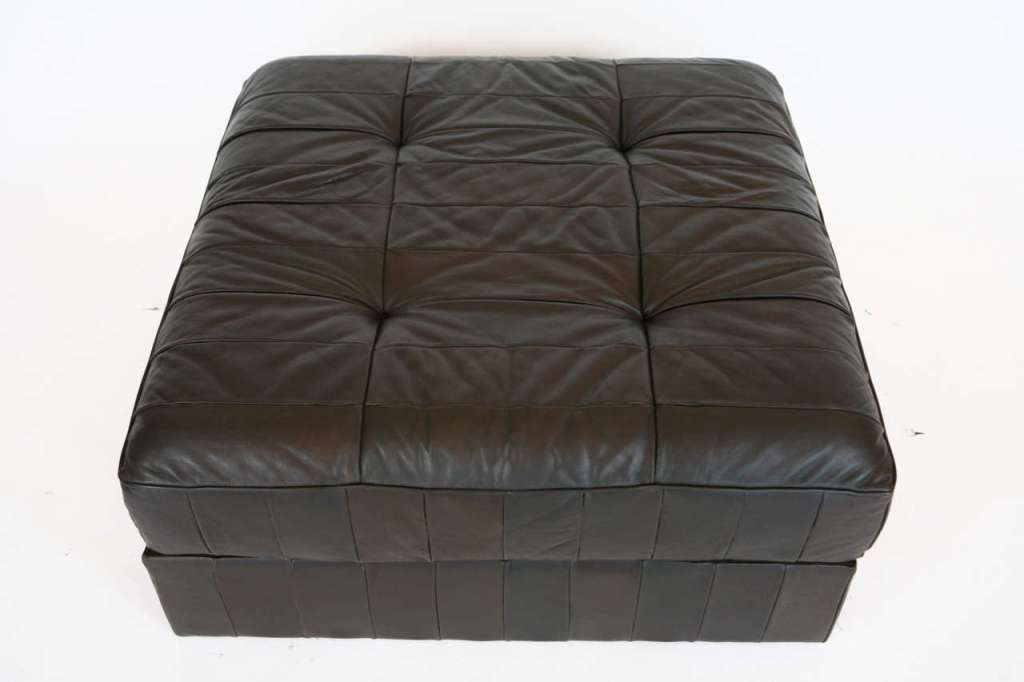 Image of: Large Leather Ottoman Ideas