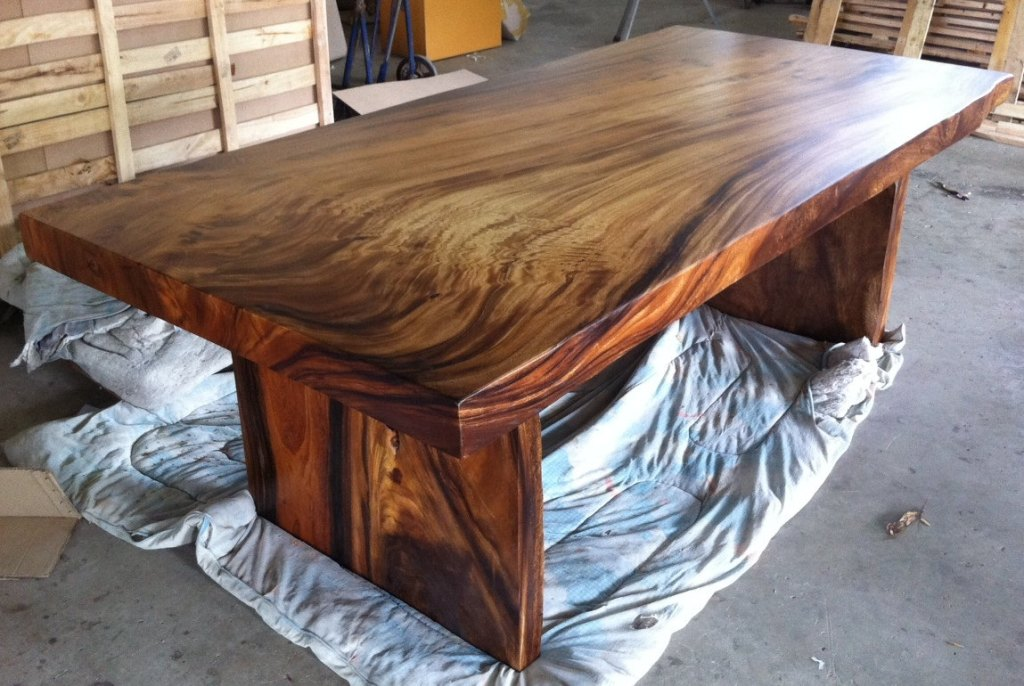 Image of: Large Wood Slab Dining Table