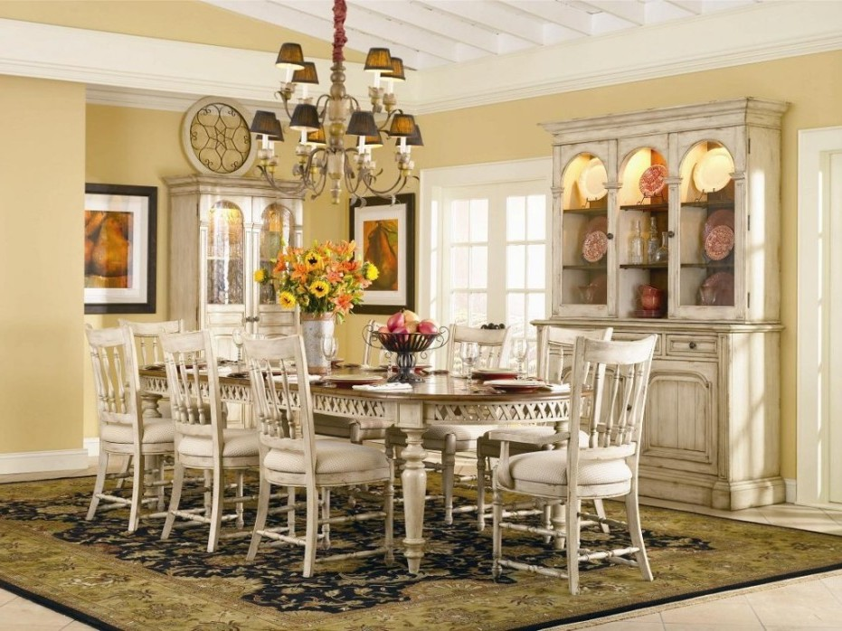 Image of: Luxury Centerpiece for Dining Room Table