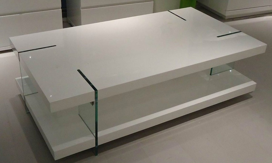 Image of: Luxury White Lacquer Coffee Table