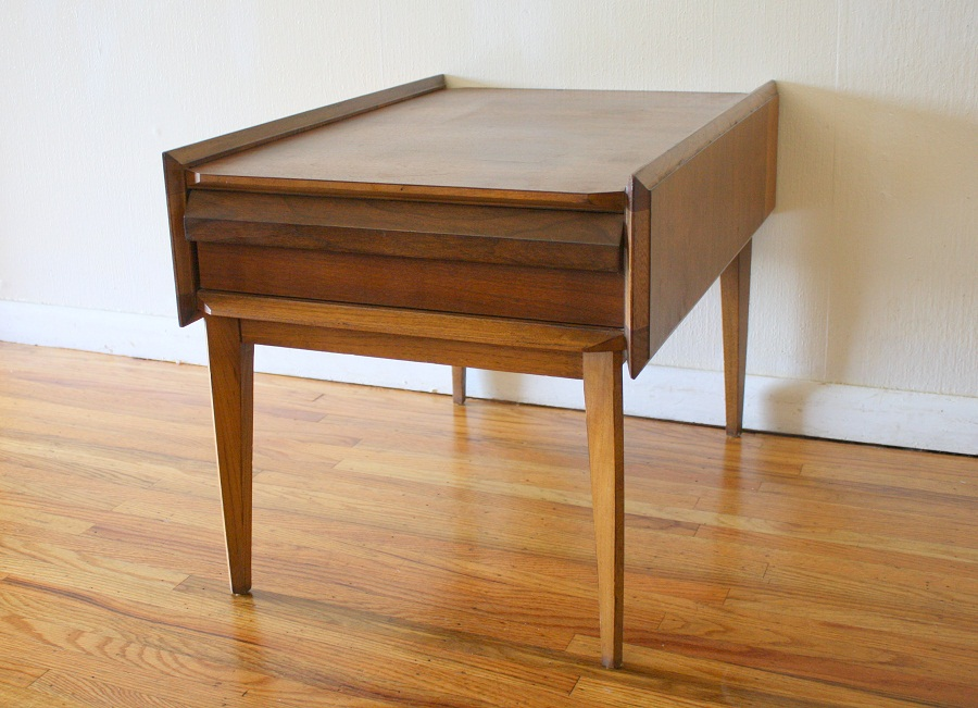 Picture of: Mid Century Modern Side Table Images