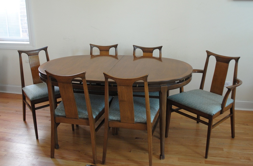 Image of: Mid Century Round Dining Table Picture