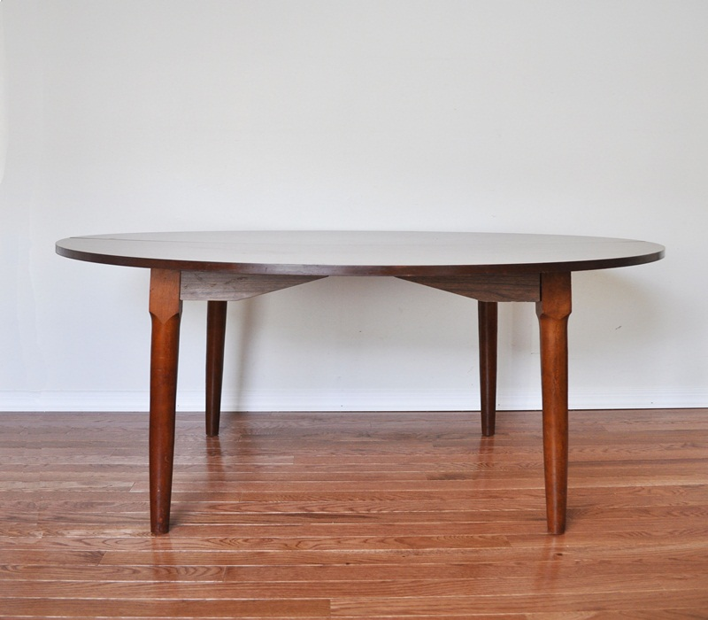 Image of: Mid Century Round Dining Tables