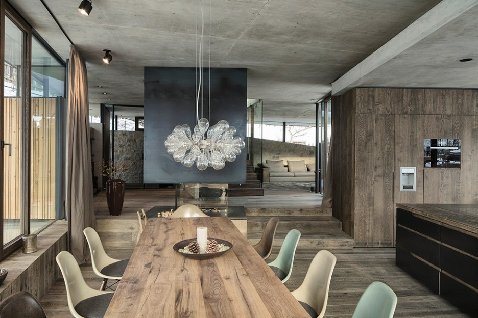 Picture of: modern reclaimed wood dining tables