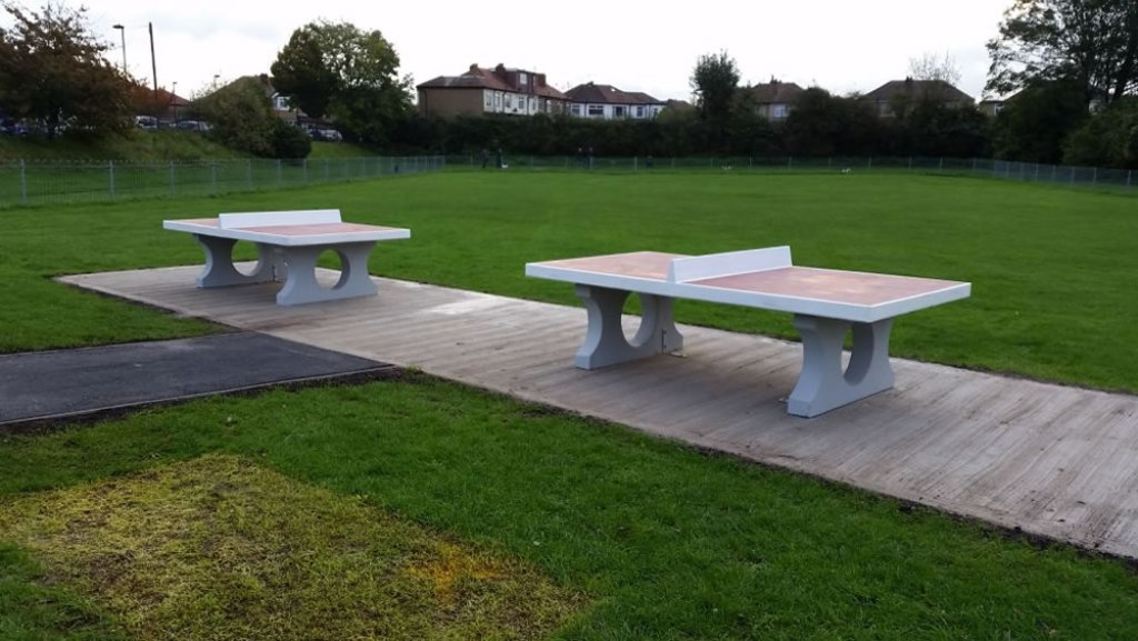Picture of: Modern Repairing Concrete Picnic Tables