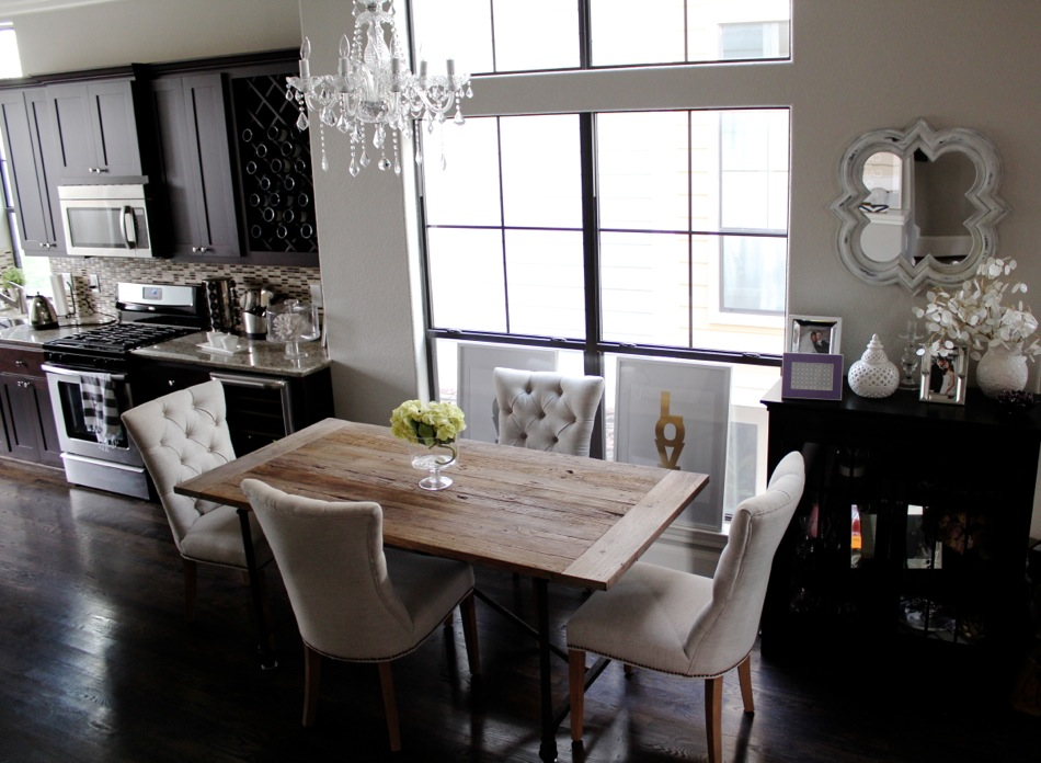 Picture of: Modern Restoration Hardware Dining Table