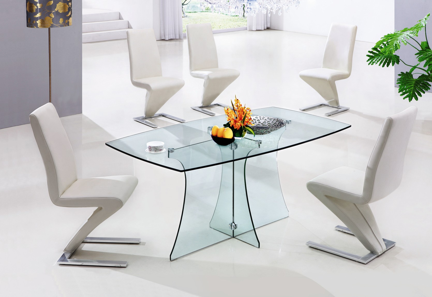 Image of: Modern glass table and chairs