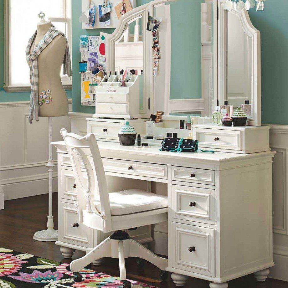 Picture of: Modern white Mirror Vanity Table