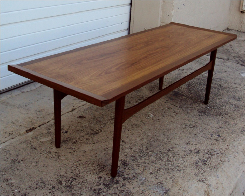 Picture of: Narrow Coffee Table with Lift Top