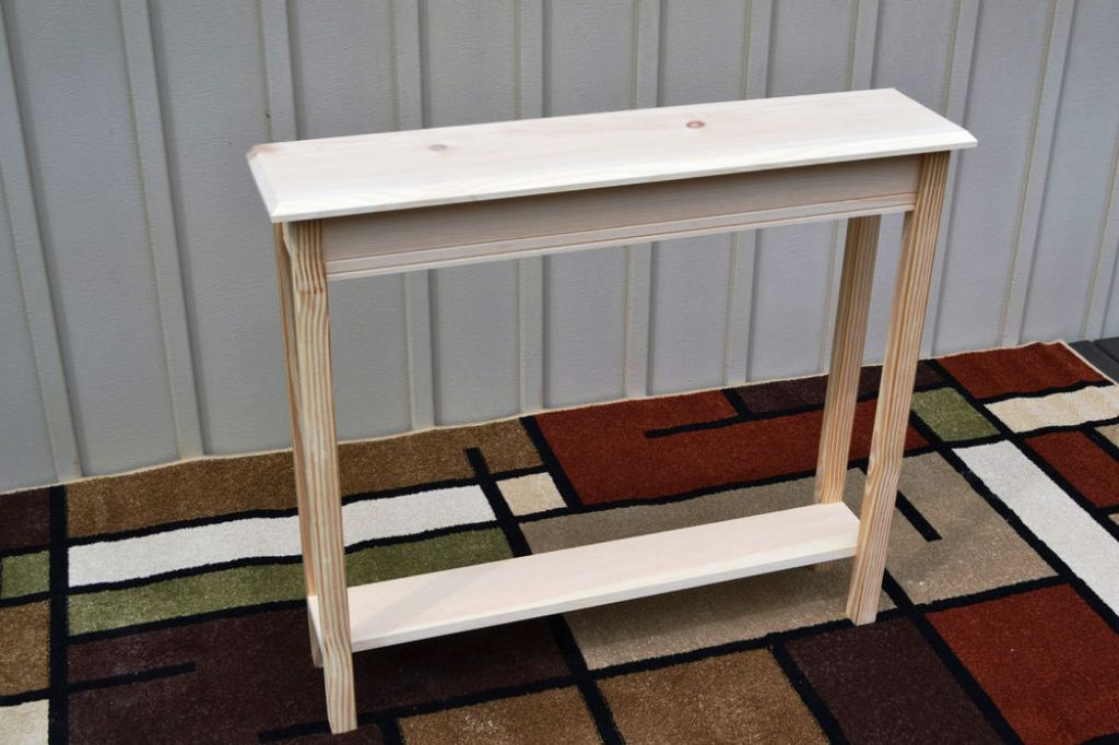 Picture of: Narrow Console Table With Shelf