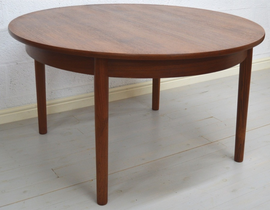 Image of: Nice Mid Century Round Dining Table