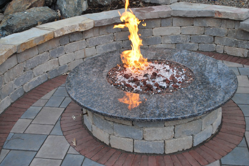 Image of: Outdoor Wood Burning Fire Pit Table
