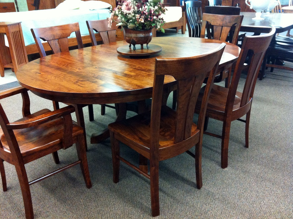Image of: Oval Cherry Wood Dining Table