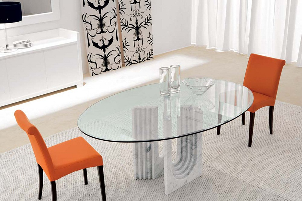 Picture of: Oval Glass Dining Table Modern
