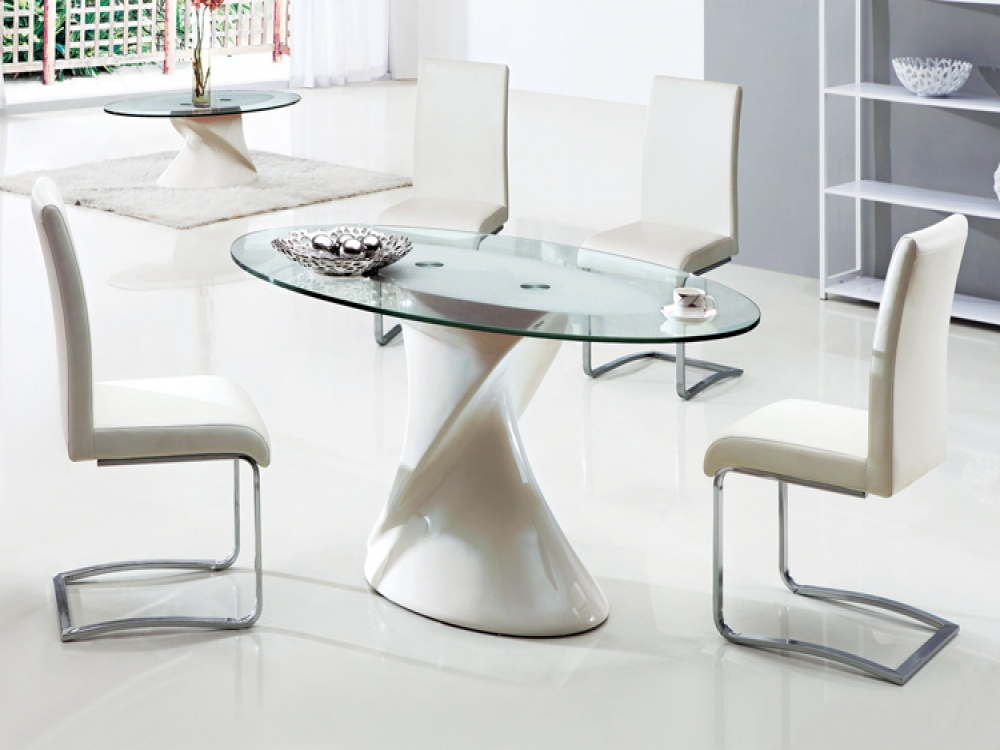 Picture of: Oval Glass Dining Table and Chairs