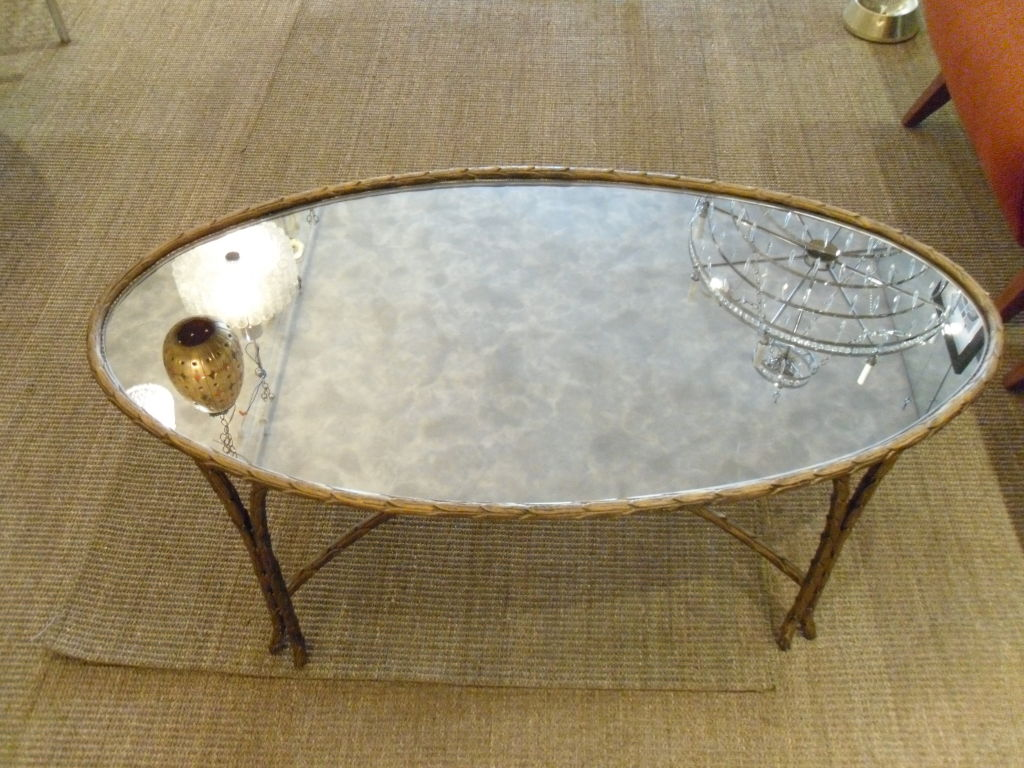 Image of: Oval Glass Top Coffee Table Ideas