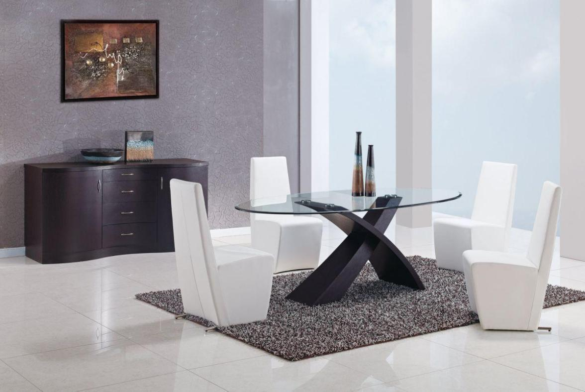 Image of: Oval Glass Top Coffee Table and Chair
