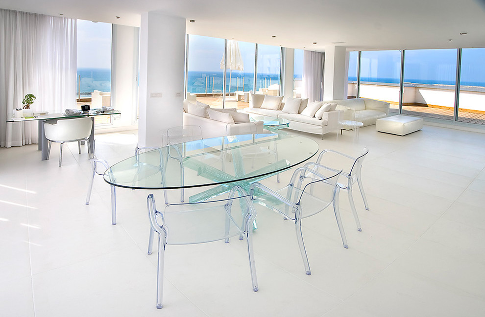Image of: Oval Lucite Dining Table
