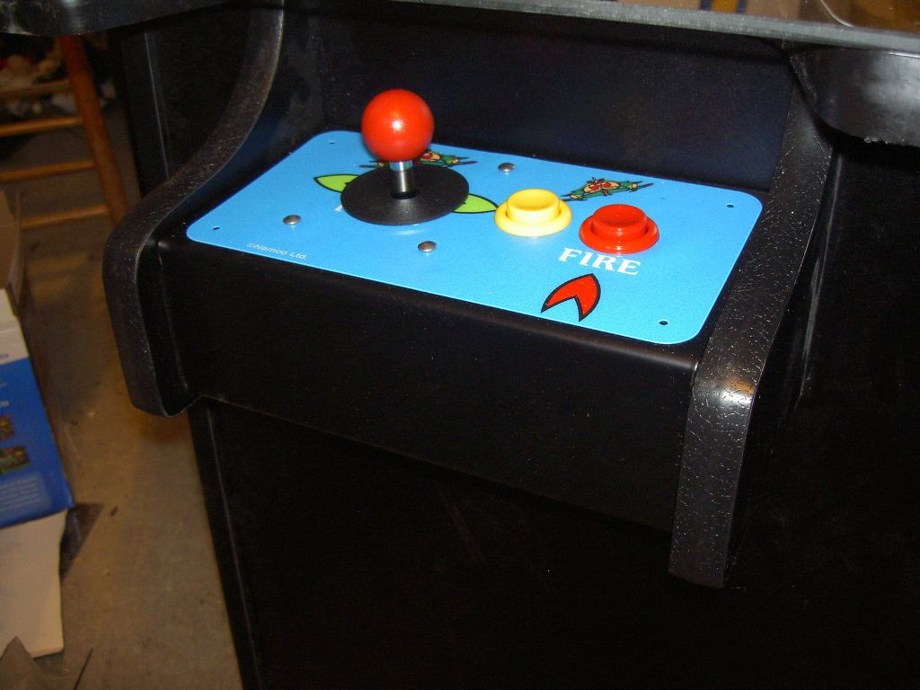 Pacman Cocktail Table Canada
