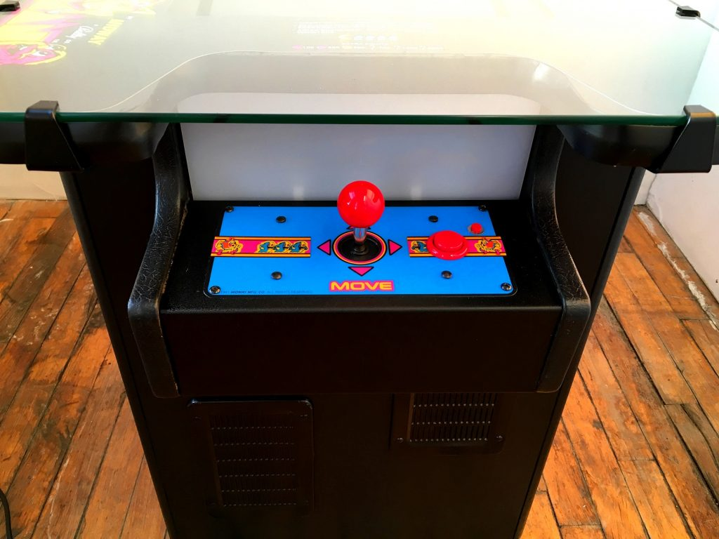 Image of: Pacman Cocktail Table Kit