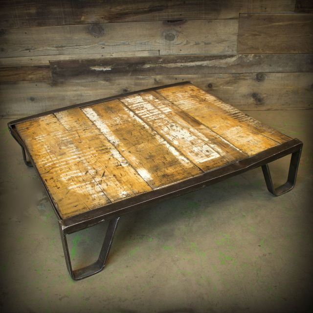 Image of: Pallet Coffee Table Models