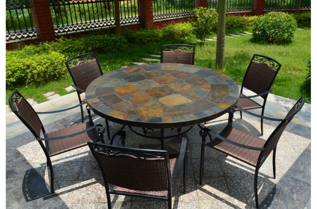 Image of: Patio Dining Table Round