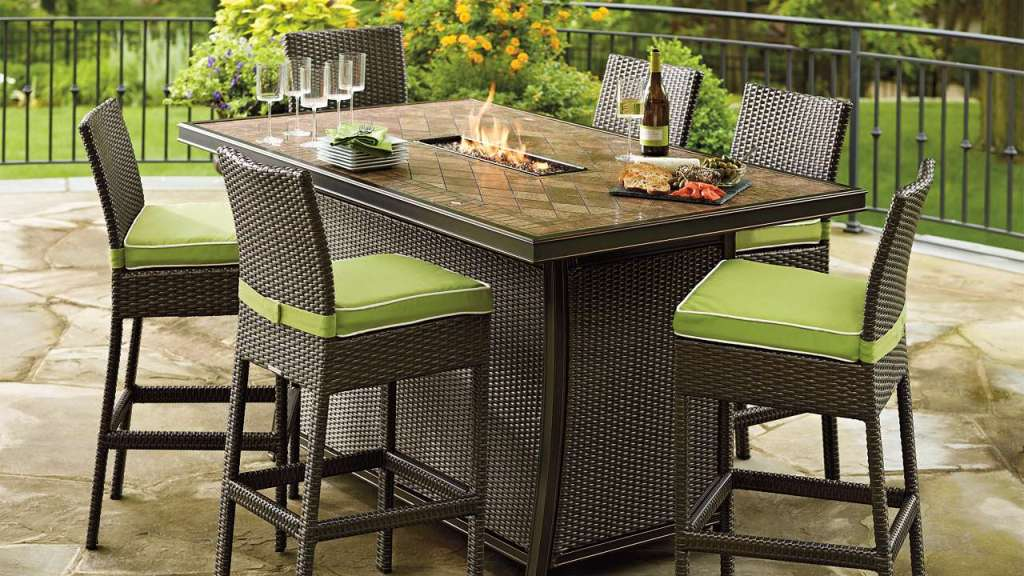 Image of: Patio Dining Tables With Fire Pit