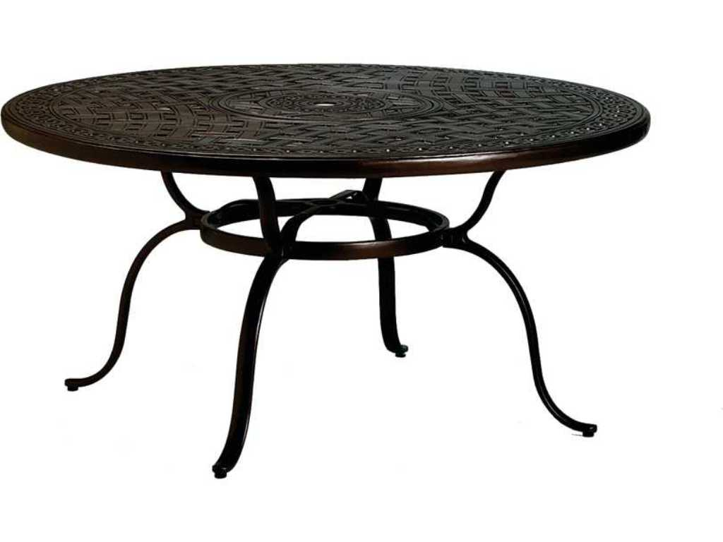 Image of: Patio Dining Table With Umbrella Hole