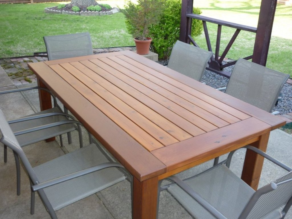 Image of: Patio Dining Table