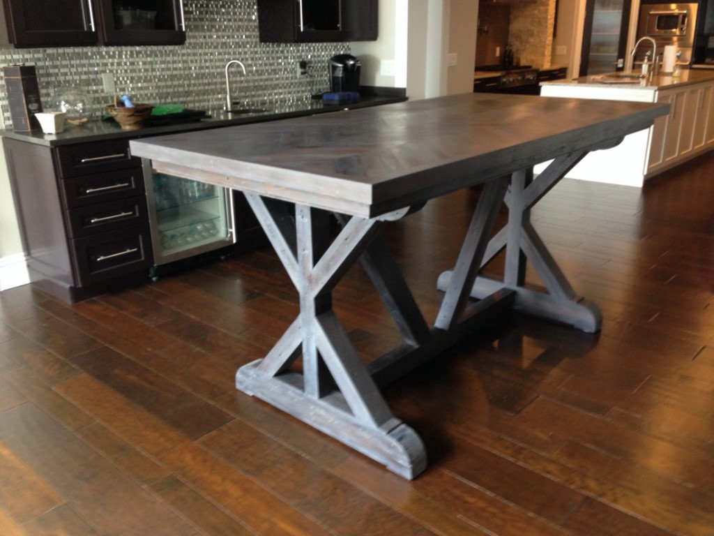 Picture of: reclaimed wood dining room table sets