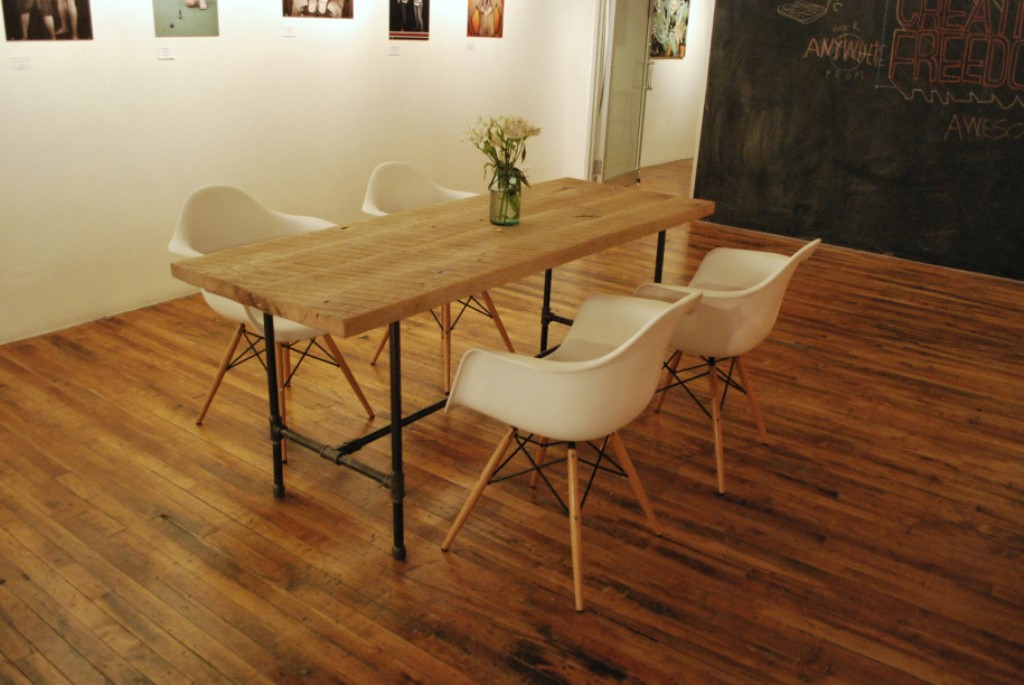 Picture of: reclaimed wood dining room table top