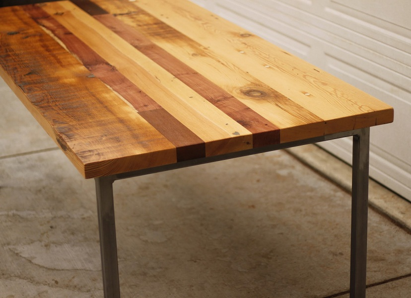 Picture of: Reclaimed Wood Table Picture