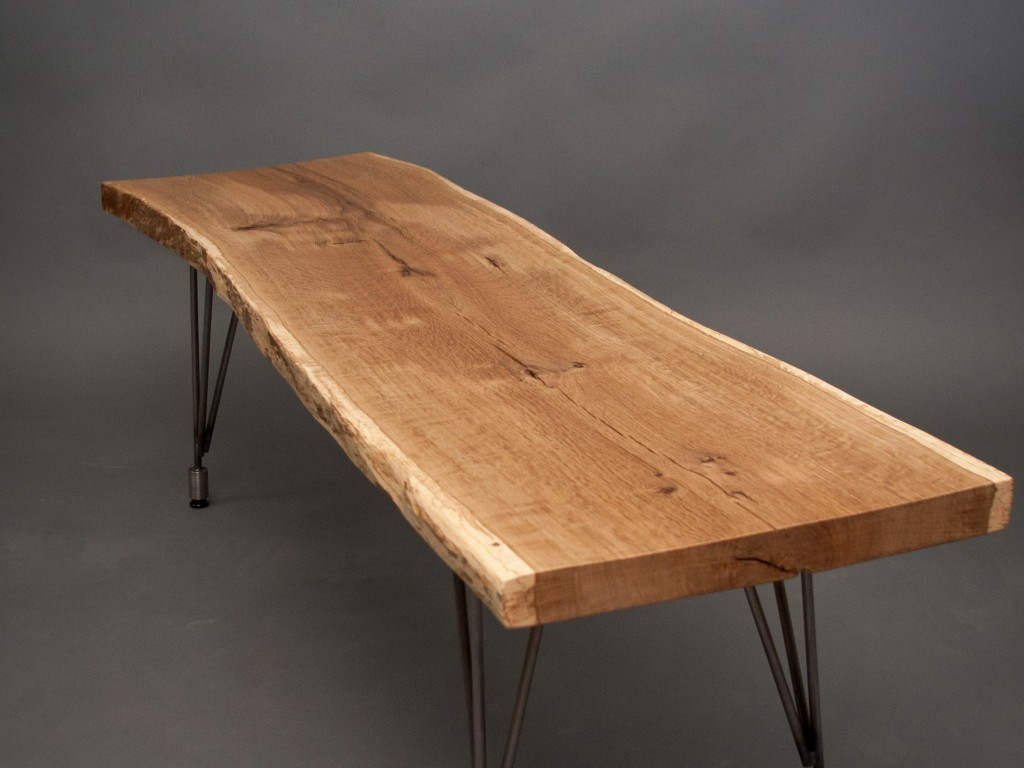 Picture of: Rectangular Reclaimed Wood Dining Table And Black Metal Table Legs