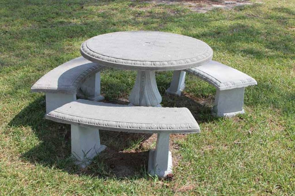 Picture of: Repairing Concrete Picnic Tables Decor