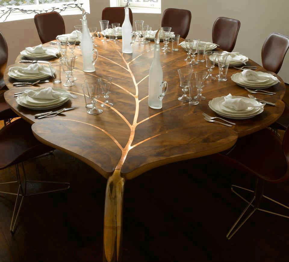 Image of: Round Dining Table with Leaf Designs
