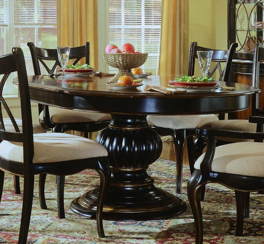 Picture of: Round Pedestal Dining Room Table Shapes