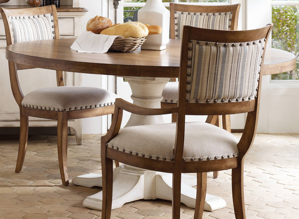 Image of: Round Pedestal Dining Table and Chairs